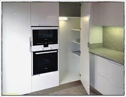 changer les facades d une cuisine carrelage plan de travail cuisine patine grise faon ceruse sur avec