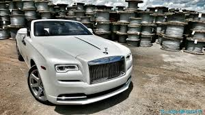 bentley wraith 2017 5 things you need to know about the 2017 rolls royce dawn slashgear