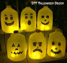 spooky haloween pictures diy spooky halloween ghosts withheartandverve