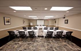 meeting room visitors inn hotel in hamilton ontario