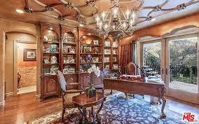 kris jenner u0027s fake home in u0027kuwtk u0027 selling for 9 million photos