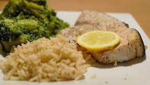 cuisine espadon espadon poêlé au thym brocolis et riz mon assiette gourmande