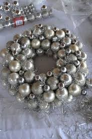 finally a tutorial on how to do this with standard christmas bulbs