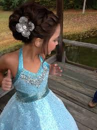 short pageant hairstyles for teens 0f51305c219b821519302f642df5550d jpg 736 981 payton