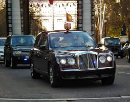 limousine bentley bentley state limousine hm queen elizabeth ii out in the b u2026 flickr