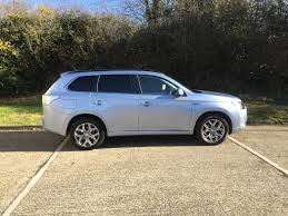 mitsubishi gold used 2014 mitsubishi outlander phev gx4h for sale in hampshire