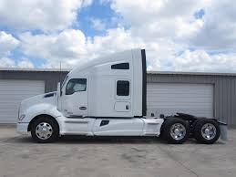 2014 kw t680 kenworth t680 semi tractor 24 wallpaper 2048x1536 215152
