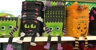 dollar tree shoppers score fun halloween items for just 1 treat