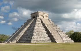 pre hispanic city of chichén itzá 10 16c yucatán peninsula