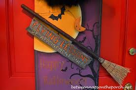 Halloween Decorations Witches Outdoor by 23 Scary Porch And Patio Halloween Decorations Perfectporchswing Com