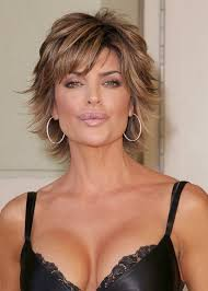 what is the texture of rinnas hair lisa rinna i always love her make up and her short hair is so