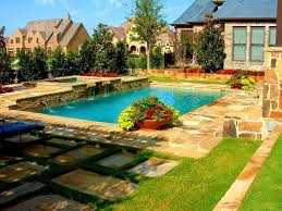 Garden Ideas For Dogs Grass Backyard For Dogs Landscaping Ideas For Dogs U Thorplccom