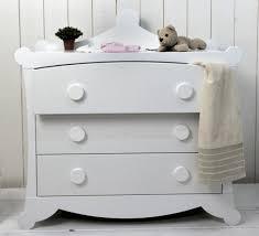 commode chambre bébé la chambre de bébé feng shui
