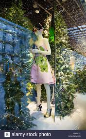 christmas decorations in the windows of au printemps department