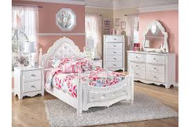 Exquisite Full Poster Bed Ashley Furniture HomeStore - Ashley furniture homestore bedroom sets