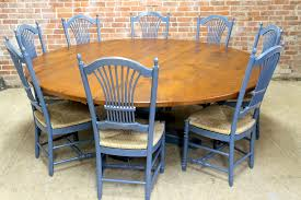 round farmhouse tables