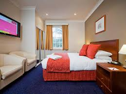mercure canberra accorhotels standard room 1 queen bed