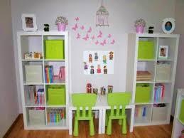 jeux de rangement de la chambre photos décoration de salle de jeux enfantin blanc dragée de