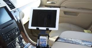 porta tablet da auto da scosche industries due accessori per utlizzare l in auto