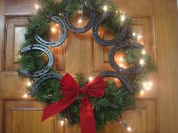 Western Home Decor Ideas by Horseshoe Wreath Horseshoe Wreath Wreaths And Western Christmas