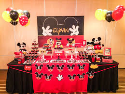 mickey mouse table l mickey macarons cookies marshmallow pops cupcakes cake