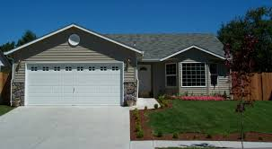 2 Bay Garage House House With Garage Photo House With Garage Apartment For