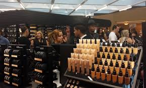 mac florida mall celebrate new store macselfie