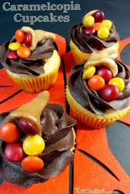easy thanksgiving cupcake toppers caramels and tootsie rolls