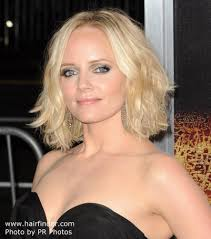marly hairstyles for mature women marley shelton s medium length haircut that can give the illusion