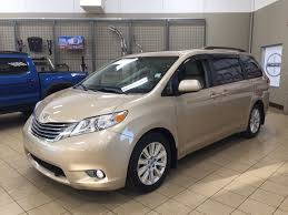 pre owned 2013 toyota sienna xle awd leather 4 door mini van