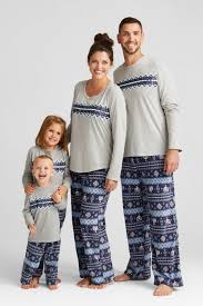 10 matching family pajamas to celebrate in the coziest way