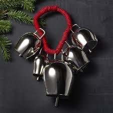 silver bells door swag so that s cool