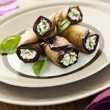 cuisiner aubergine four recette roulés d aubergine à la ricotta au four