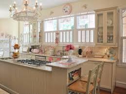 vintage küche vintage küche ideen mit arbeitsplatten und kronleuchter