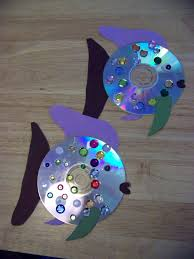 fish craft using a cd fish crafts fish and construction paper