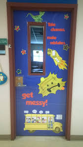 thanksgiving classroom door decorations magic bus door meet the teacher beginning of the year