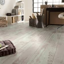 Wood Look Laminate Flooring Warm And Apealing Wood Look Vinyl Flooring Inspiration Home Designs