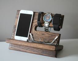 stand oak wood valet iphone galaxy charging stand