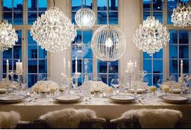 winter elements in wedding decoration white silver and diamonds