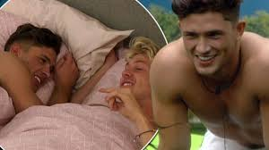 girls kissing in bed celebrity big brother u0027s jordan davies reveals he nearly had