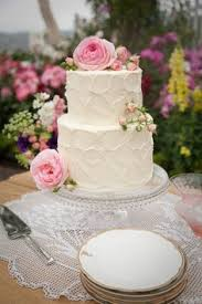 simple classic wedding cake idea two tier wedding cake with
