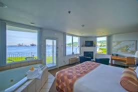 king one room suite harbor view southpierinn