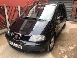 bargain seat alhambra se 1 owner mpv drives smooth black in
