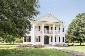 Plantation Style House by Stunning Plantation Style Home On Over 3 Acres 13924 Oak Berry