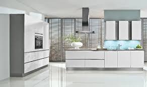 weisse hochglanz küche voll im trend hochglanz küche plana küchenland