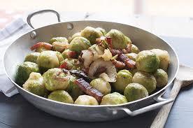 cuisiner choux de bruxelles frais poêlée de choux de bruxelles au lard fumé recette interfel les