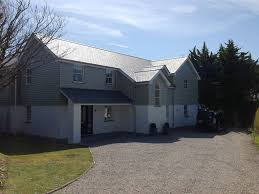 contemporary 5 bedroom house metres from daymer bay beach