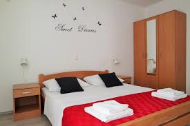 Schlafzimmer Betten H Fner Lenka Apartments Kroatien Novalja Booking Com
