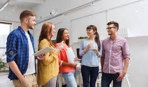 image pause café bureau affaires la communication le démarrage et les gens concept