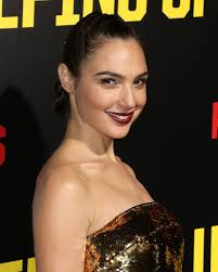 keeping up with the joneses gal gadot u0027keeping up with the joneses u0027 premiere in los angeles